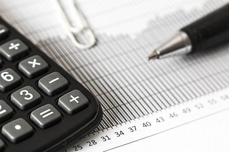 Steuerfachangestellte arbeit mit Zahlen